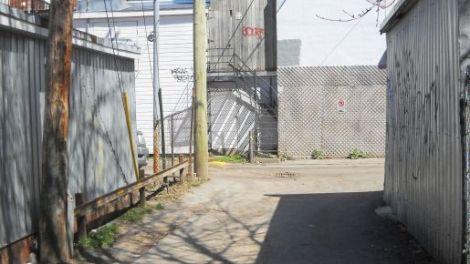 Pole, Shed, Garage, Verdun
