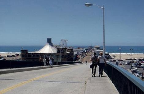 road to the santa monica pier