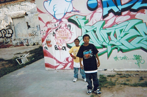 Picture of kids with graffiti in Atlanta by Katie Rentzke