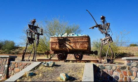 photograph of Mammoth Miners Memorial, Mammoth, Arizona